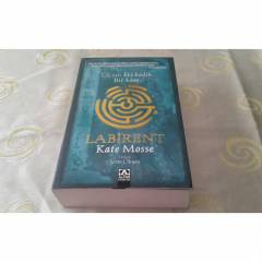 LAB�RENT-KATE MOSSE