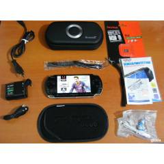 SONY PSP 3004 BLACK +8 GB SLIM VE AKSESUARLAR