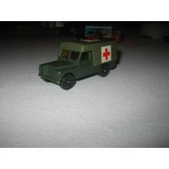 1:64  CORGI JUNIOR LAND ROVER ASKER� AMBULANS