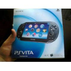 Sony PS V�TA 16 GB + Dungeon Hunter oyun