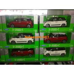 Fiat 500L Welly 1.24 Diecast Metal Model Araba