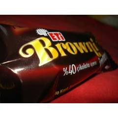 ET� BROWN� �NTENSE 38GR