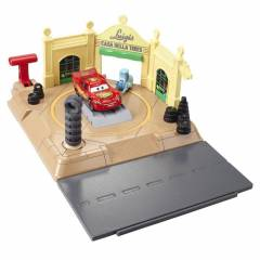Disney Cars Luigis Tire Shop Oyun Seti