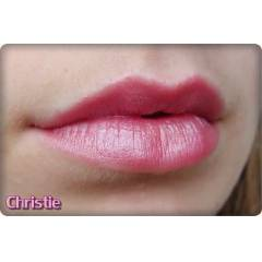 NYX ROUND LIPSTICK ON CHRISTIE