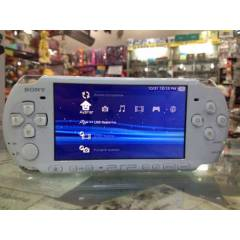 SONY PSP 3006 8 GB KART VE T�RK�E MEN� PES 13