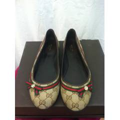 GUCCI  -100% OR�G�NAL -NO:40,5