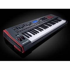 Novation Impulse 49 MIDI Klavye - 49 Tu�