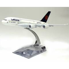 Lufthansa Airlines Model U�ak Biblo Mini