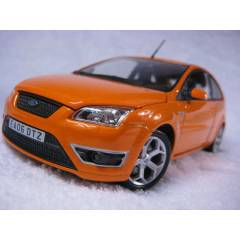 FORD FOCUS ST 1:24 D�ECAST MODEL ARABA