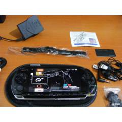 SONY PSP 3004 BLACK+ 8 GB SLIM VE AKSESUARLAR