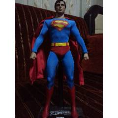 Hot Toys Cristopher Reeve Superman 1 / 6 figure.