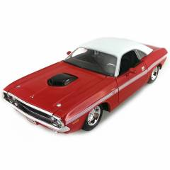 Maisto Dodge Challenger R/T Coupe1970 1:24 Model