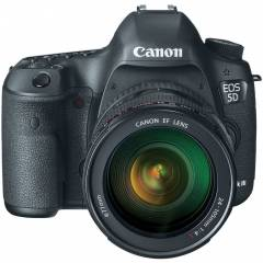 Canon 5D Mark III 24-105mm f/4.0 Foto�raf Makine