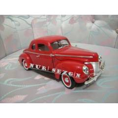 MODEL ARABA 1:18 1940 FORD DELUXE P�REM�UM
