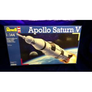 1/144 Revell Apollo Saturn V roketi maketi