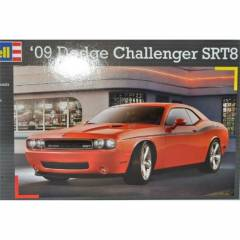 Revell 1:25 Araba Model Kit Dodge Challenger 2