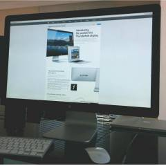 "APPLE THUNDERBOLT 27"" CINEMA DISPLAY"