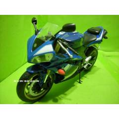 MODEL ARABA 1:10 YAMAHA YZF-R1 MODEL MOTOR