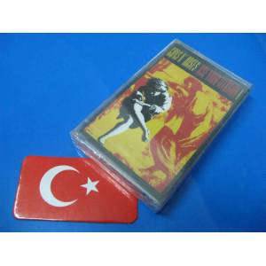 KASET ~ GUNS N ROSES USE YOUR ILLUSION 1...