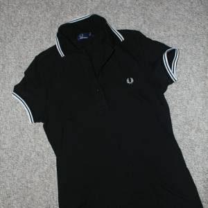 FRED PERRY POLO YAKA