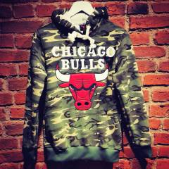 NBA ED�T�ON! CH�CAGO BULLS HOOD�E SWEATSH�RT