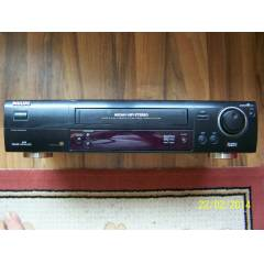 PHİLİPS HİFİ STEREO 6 TIRNAK VHS VİDEO RECORDER