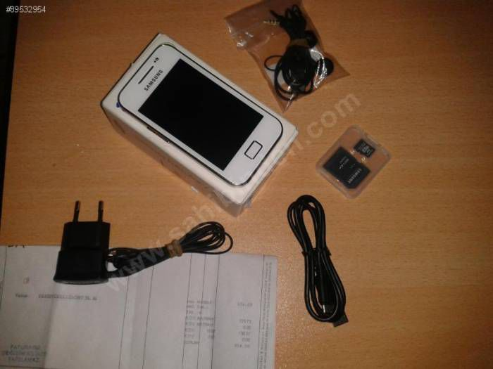 SAMSUNG GALAXY ACE 5830�