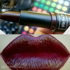 KAT VON D PAINTED LOVE LIPSTICK-HOMEGIRL