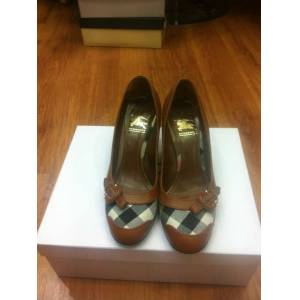 BURBERRY-100% OR�G�NAL - No:37,5