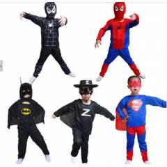 Superman Spiderman Batman  Zorro kost�m�