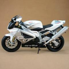 Welly 1:10 Aprilia RSV 1000R Factory
