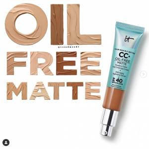 IT COSMETİC CC+ OİL-FREE MATTE WİTH SPF 40+ (Medium)