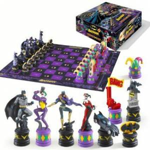 Batman Chess Set (Dark Knight vs Joker)