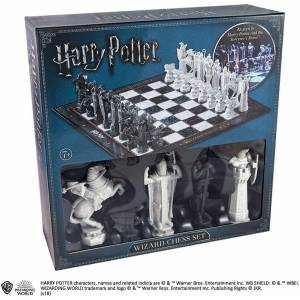 Noble Collection The Batman Chess Set ( The Dark Knight vs The Joker ) Satranç Seti